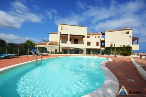 Ground floor with pool 200 meters from the beach