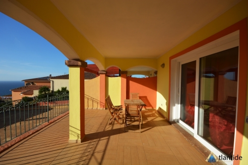 THREE-ROOM APARTMENT 200 METERS FROM THE BEACH