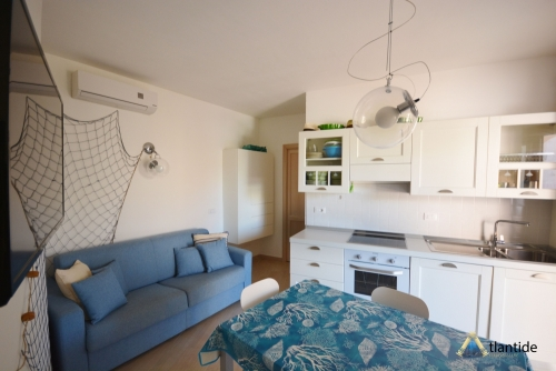 Fully furnished three-room apartment just minutes from the beach